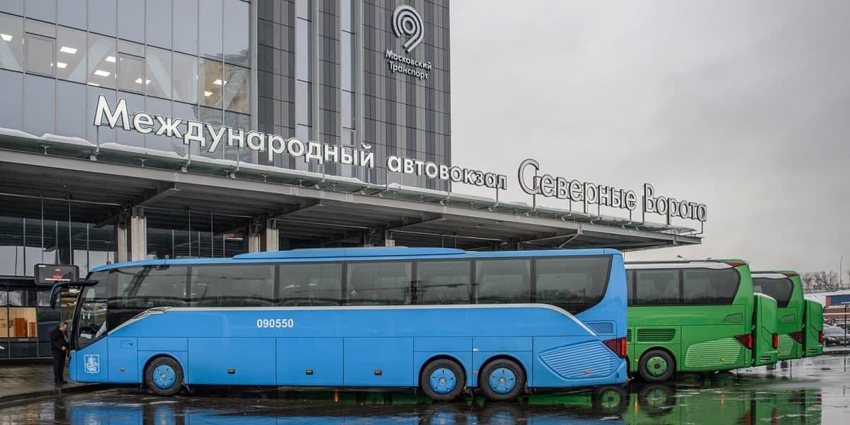 Новые регулярные рейсы в Великий Новгород запустили с автовокзала «Северные ворота»